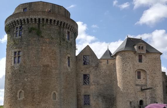 Chateau de Saint Mesmin