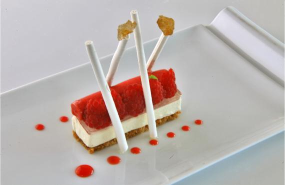 Dessert aux fruits rouges