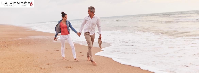 Couple en ballade sur la plage
