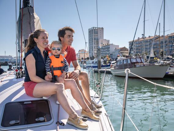 Promenade en famille en voilier aux Sables d'Olonne