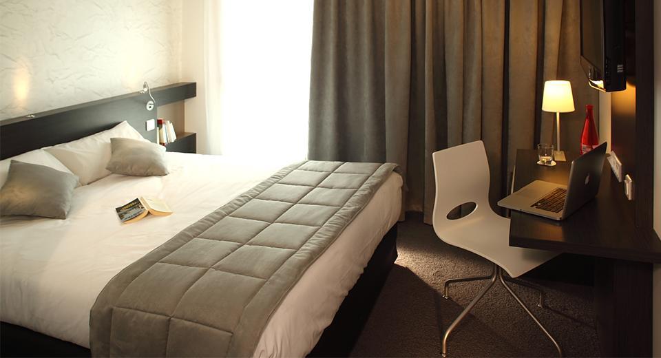 Chambre Hotel The Originals Saint James à Montaigu