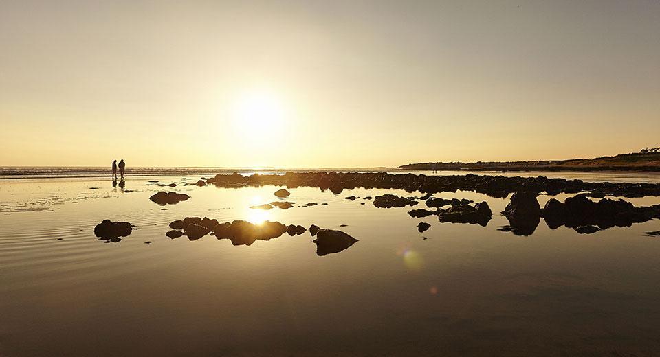 Coucher de soleil sur la plage des dunes à Bretignolles sur mer