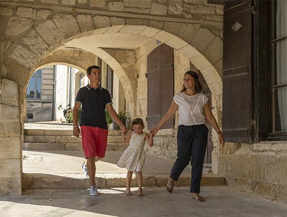 Balade en famille dans les rues de Fontenay le Comte