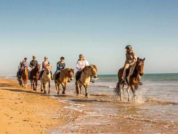 balade à cheval sur la plage de Saint Jean de Monts