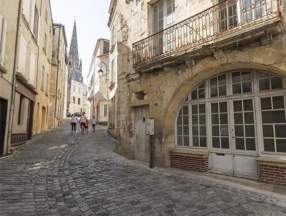 Promenade dans les rues de Fontenay Le Comte