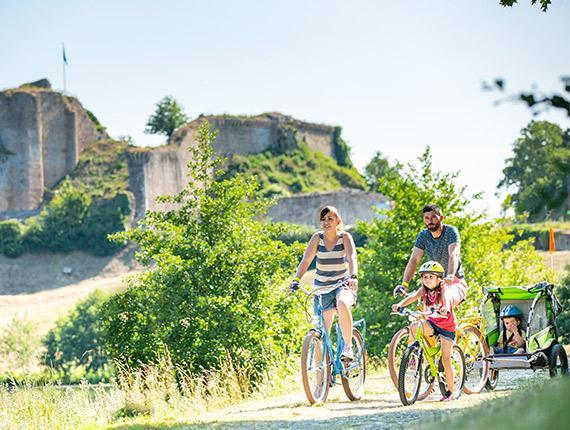 Vélo en famille à Tiffauges