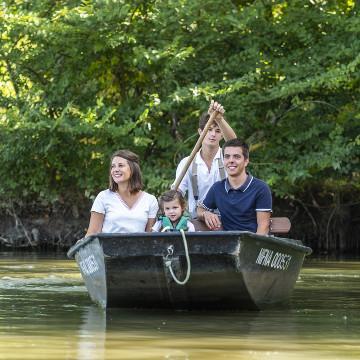 Balade en barque dans le Marais poitevin