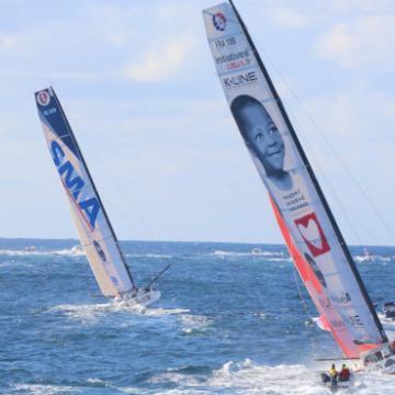Course du Vendée Globe trois bateaux en mer