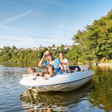 Balade en bateau à la base de loisirs de Mervent